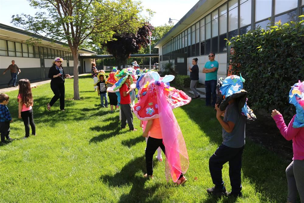 Kindergarten Easter Bonnet Parade